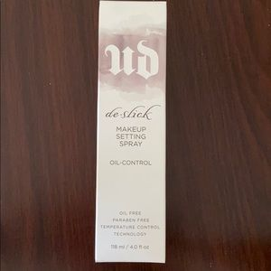 NWT Urban Decay Makeup Setting Spray